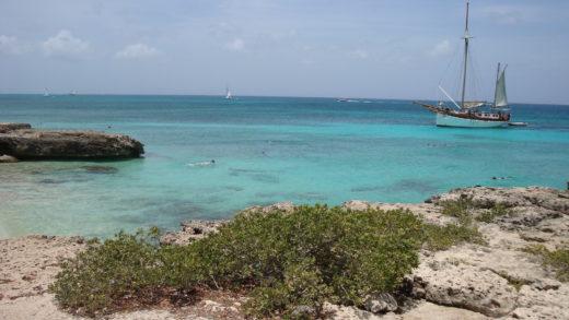 Praia linda em Aruba ótima para fazer snorquel ou mergulho