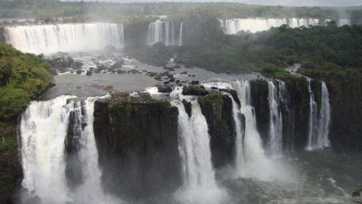 Parque Nacional do Iguaçu as famosas Cataratas do Iguaçu