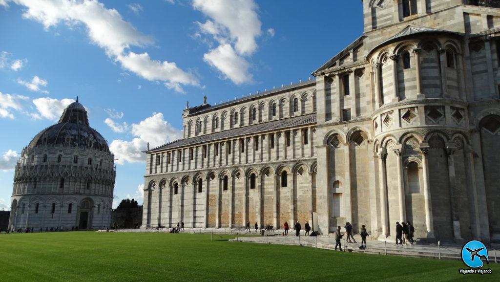 Campanário e o Duomo Torre de Pisa ou Leaning Tower of Pisa na Itália