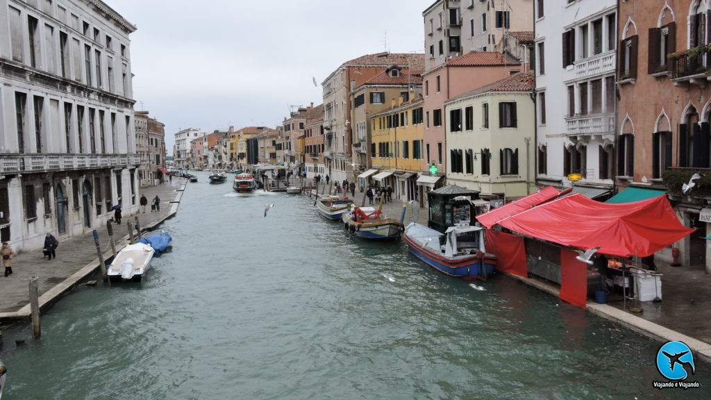 canal em Veneza na Itália