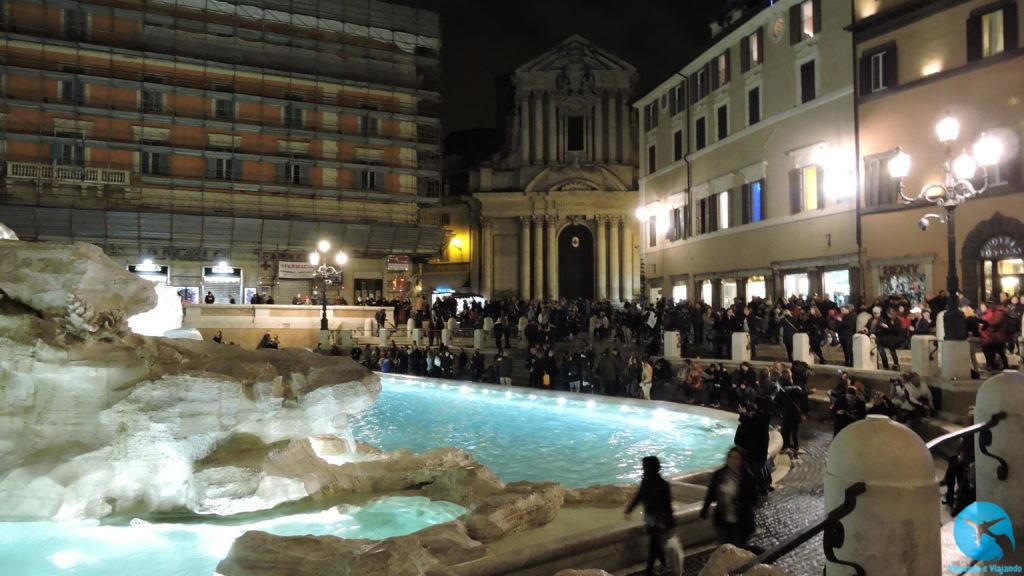 Fontana di Trevi a bonita fonte de Roma à noite