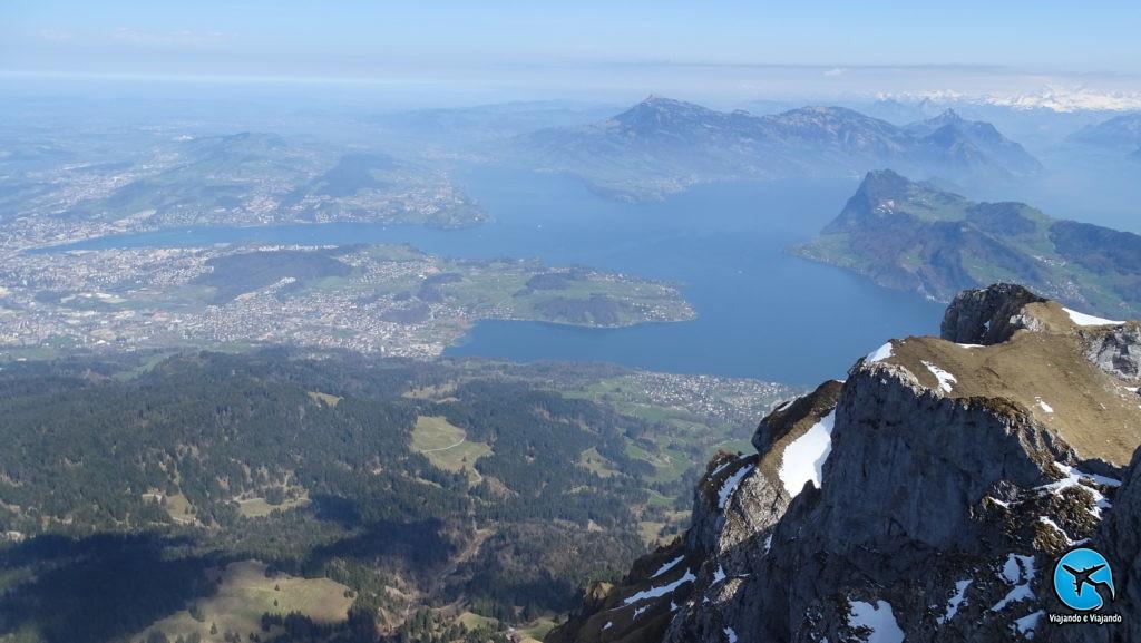 Linda vista de Lucerna do Monte Pilatus em Lucerna na Suíça Luzern Switzerland