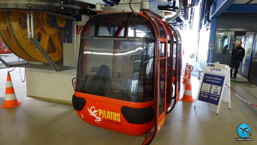 Teleférico no Monte Pilatus em Lucerna ou Luzern