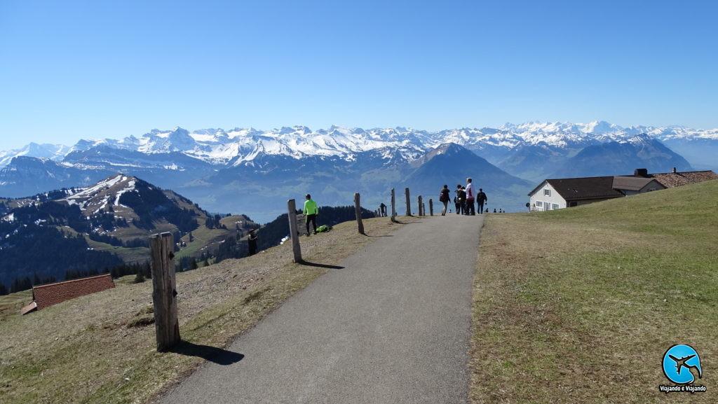 Trilha no Monte Rigi Kulm