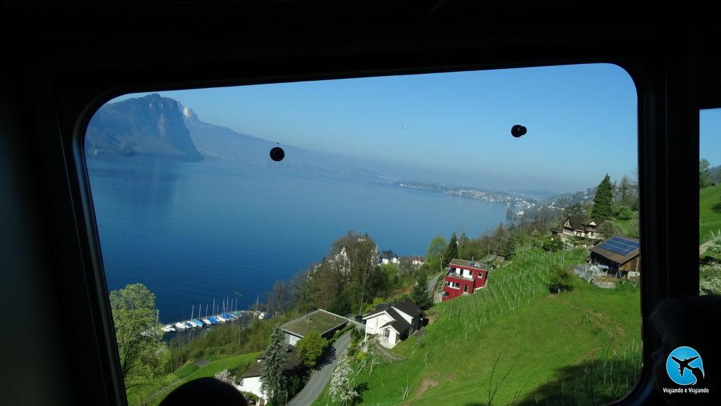 Paisagem do trem para o Monte Rigi Kulm