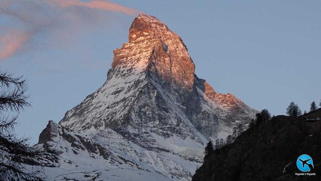 Nascer do sol em Zermatt Matterhorn Suíça