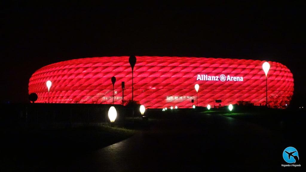 Allianz Arena estádio do Bayern de Munique a noite night